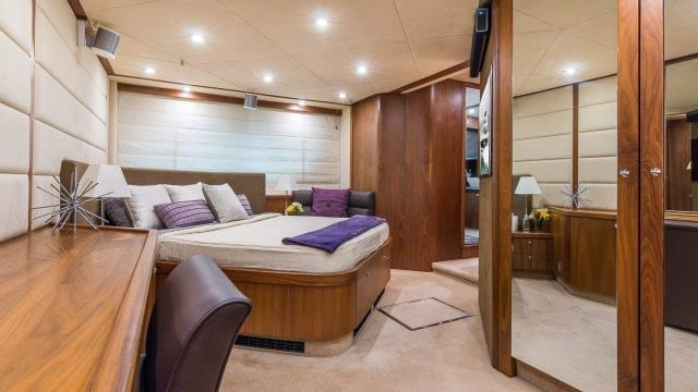 Miami Yacht Rentals 75' Manhattan Stateroom