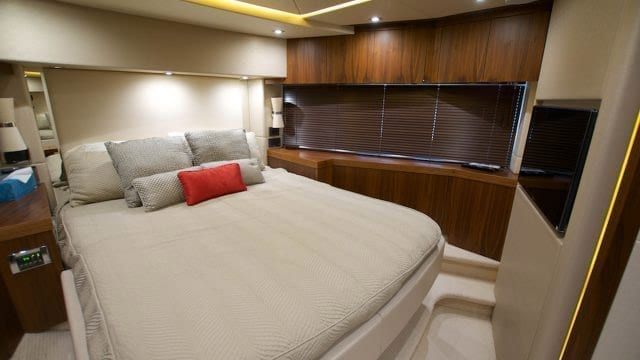 Miami Yacht Rentals 76' Sunseeker Stateroom