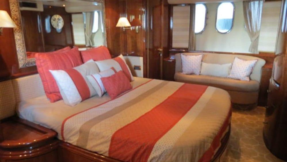 Miami Yacht Rentals 80' Azimut Stateroom