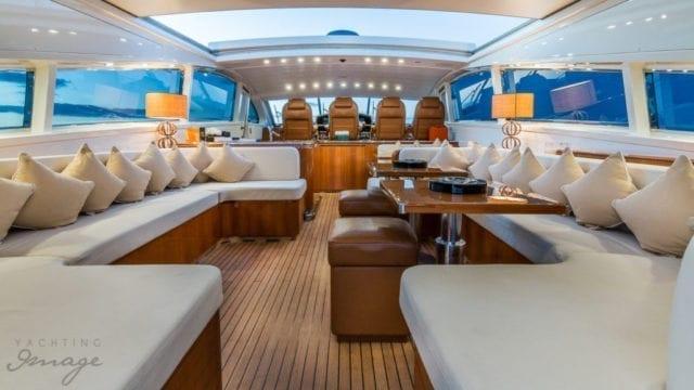 Miami Yacht Rentals 92' Leopard Salon
