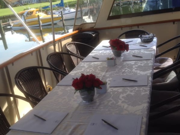 Naples yacht charter dining