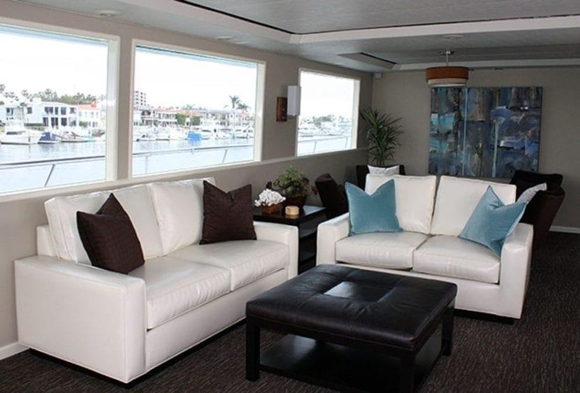 Newport Beach Yacht Rentals 100' Dittmar Couch