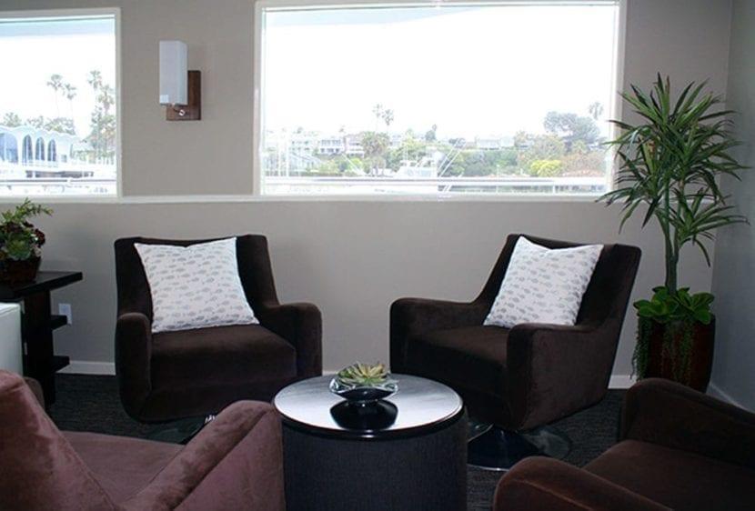 Newport Beach Yacht Rentals 100' Dittmar Sitting Area