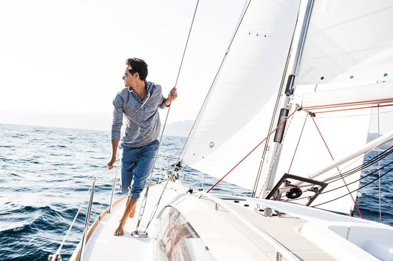 Sailing-Yacht-Bow-Malibu
