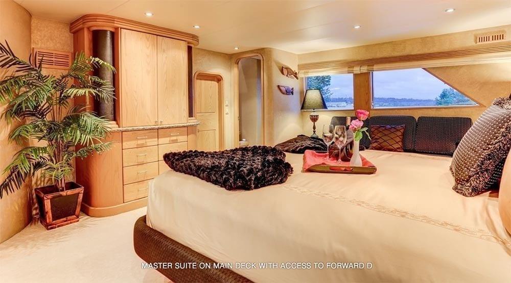 San Diego Yacht Rentals 118' Westport Master Stateroom 2