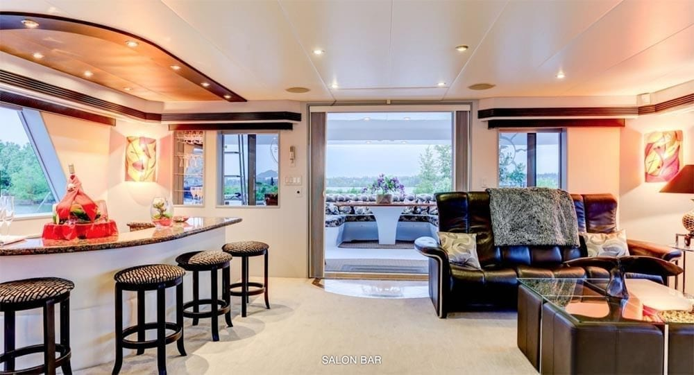 San Diego Yacht Rentals 118' Westport Salon Bar