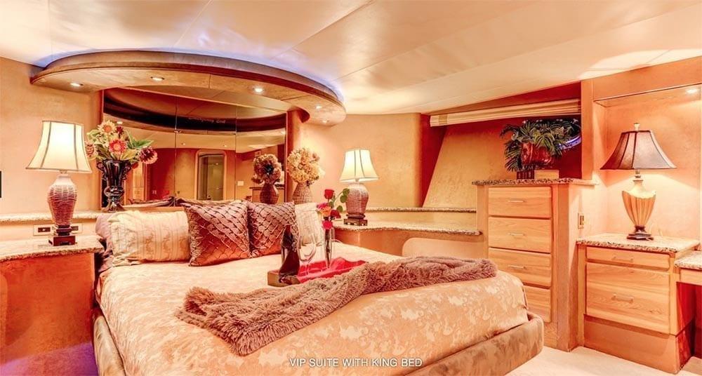 San Diego Yacht Rentals 118' Westport VIP Stateroom