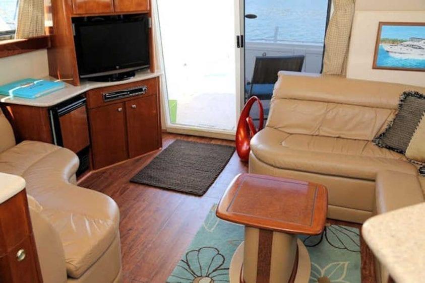 San Diego Yacht Rentals 46' Meridian Salon 3