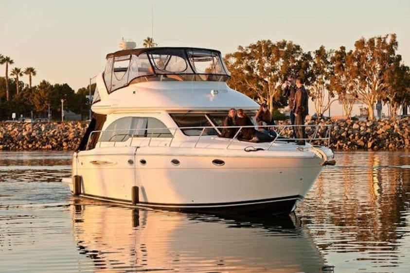 San Diego Yacht Rentals 46' Meridian Starboard Profile