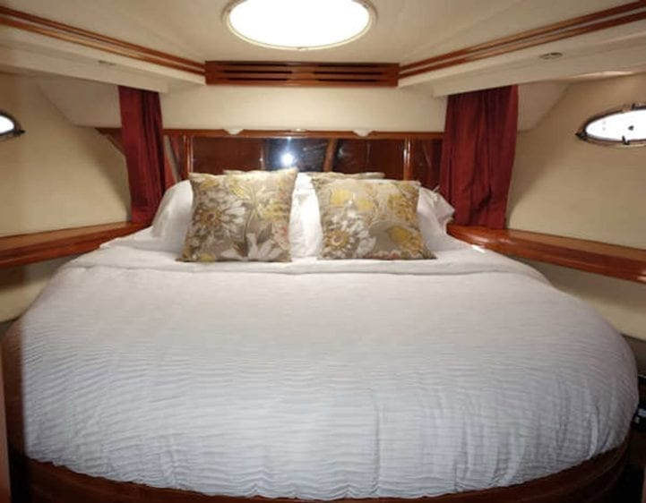 San Diego Yacht Rentals 56' Carver Stateroom