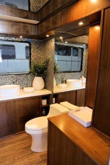 San Diego Yacht Rentals 73' Bonaire Navigator Head