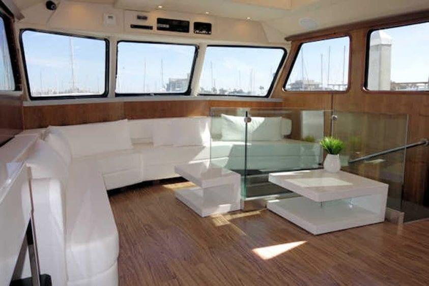 San Diego Yacht Rentals 73' Bonaire Navigator Salon Couch