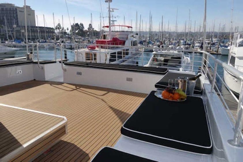 San Diego Yacht Rentals 73' Bonaire Navigator Upper Deck