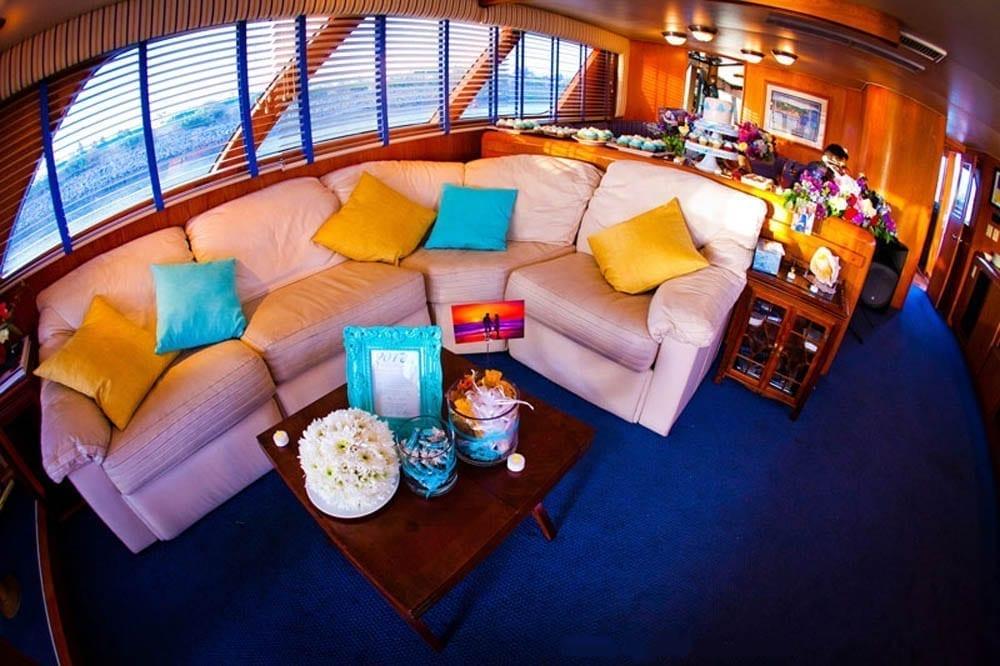 San Diego Yacht charter 78' Broward Salon 2
