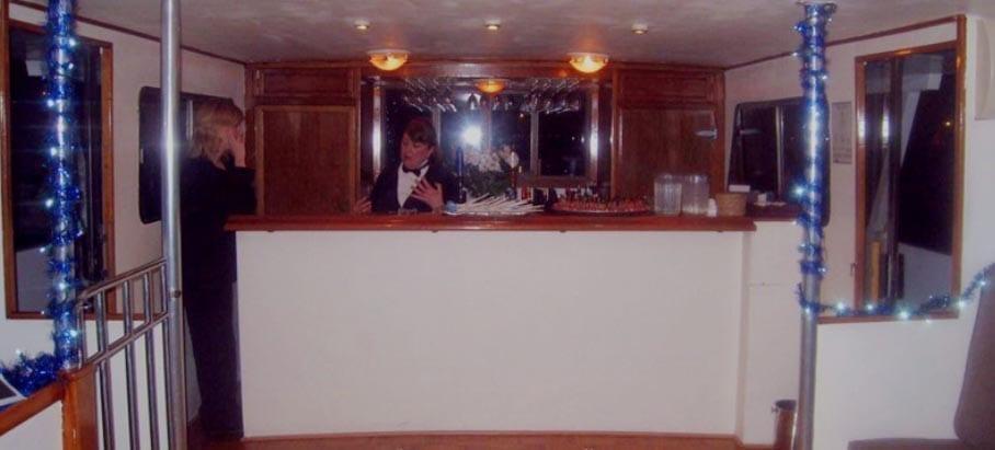 San Francisco Yacht Rentals 75' Voyager Bar