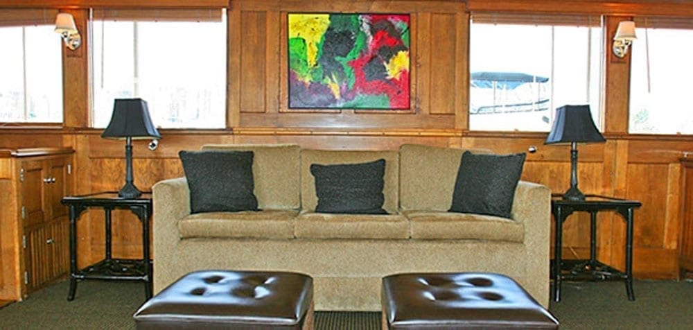 San Pedro Yacht Rentals 77' John Tracy Salon Couch