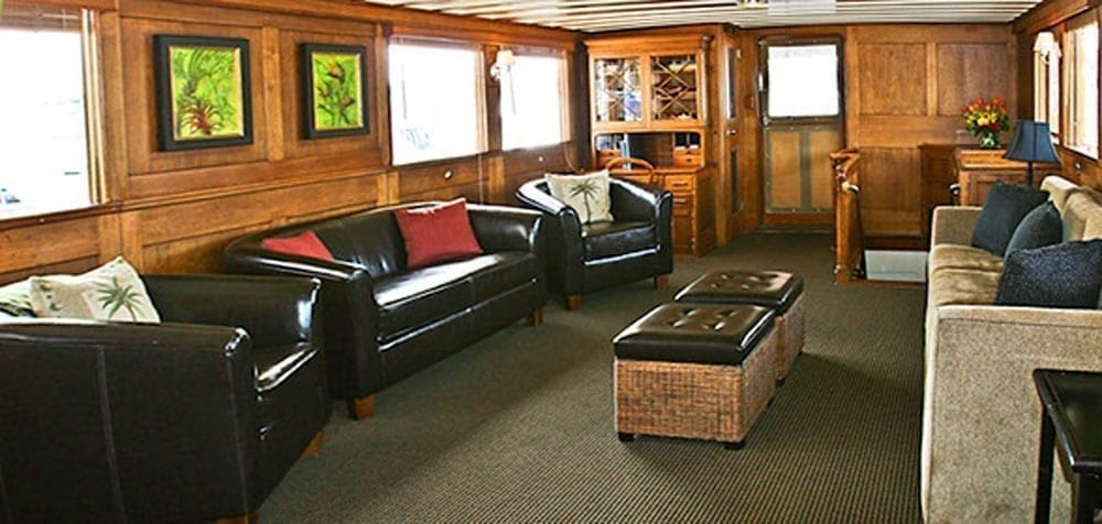 San Pedro Yacht Rentals 77' John Tracy Salon
