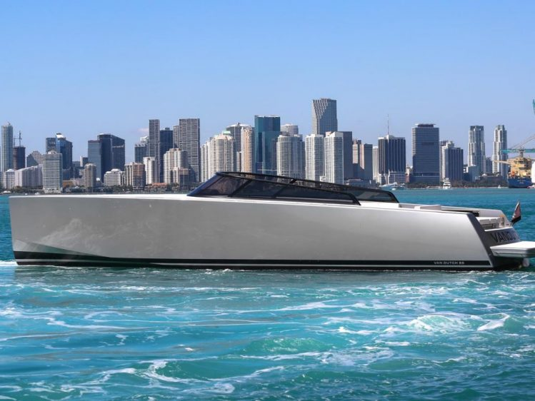 Yacht Rentals In Newport Beach