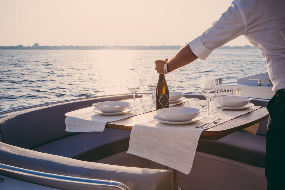 birthday-party-boat-rentals-lunch