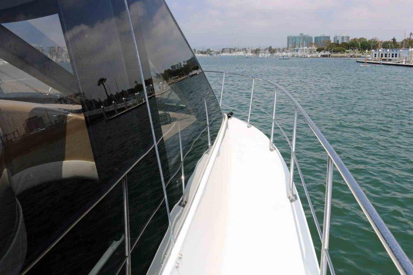 carver-yacht-in-marina-del-rey-walkway