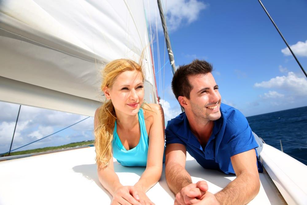 catamaran-sailing-vacations-seat