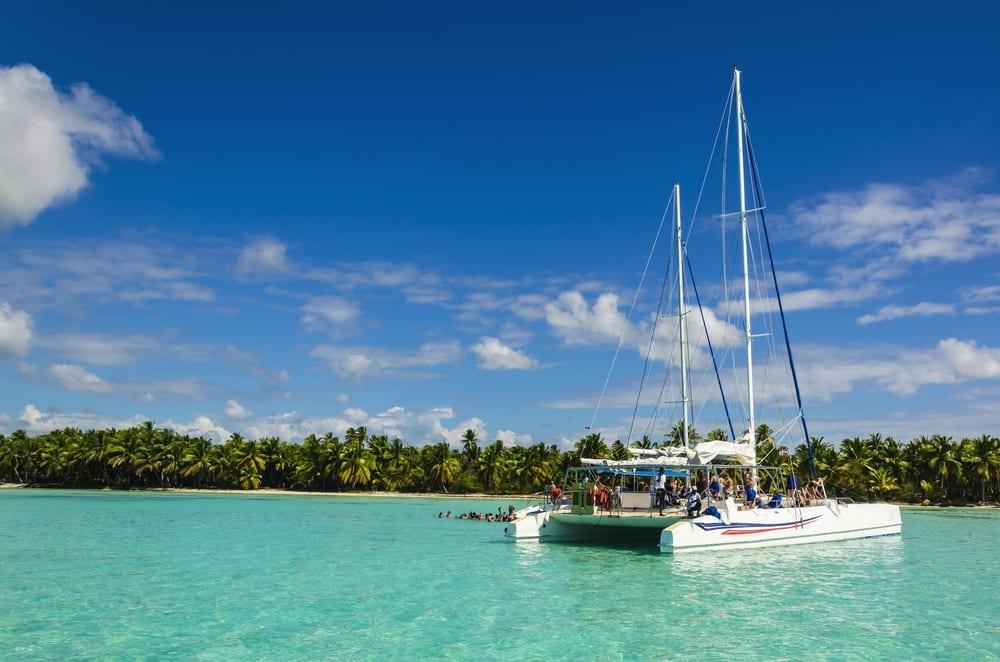 catamaran-sailing-vacations