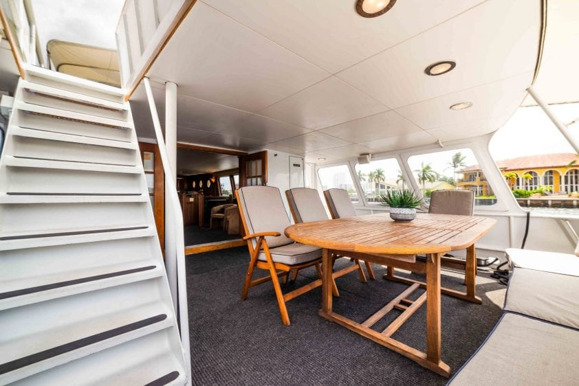 ft lauderdale yacht charter aft lounge deck seating