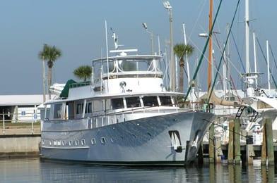 ft lauderdale yacht charter dockside