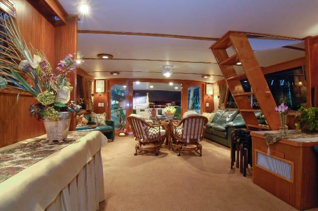 ft lauderdale yacht rental main salon