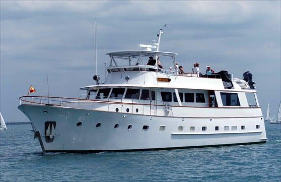 ft lauderdale yacht rental profile underway