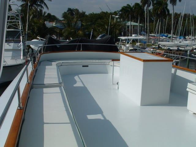 ft lauderdale yacht rental upper deck area