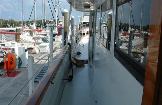 ft lauderdale yacht rental walkway