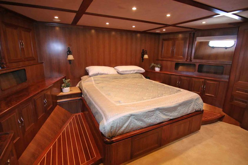 guest-bed-on-a-super-yacht