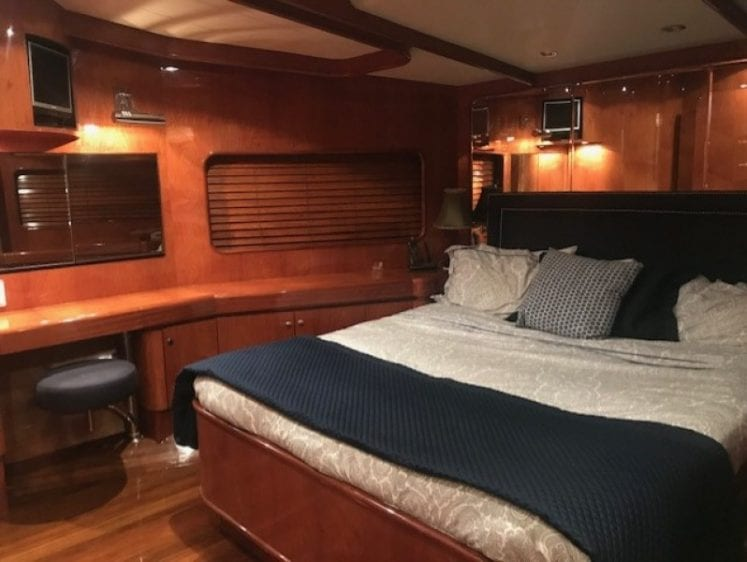 los angeles yacht charter stateroom