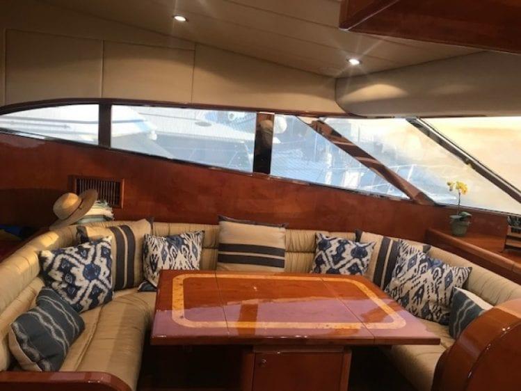 los-angeles-yacht-rental-lounge