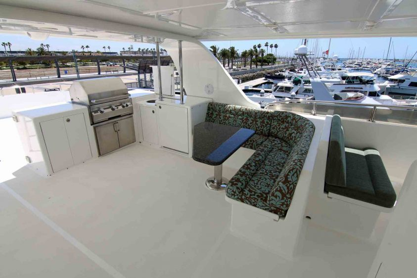 luxury-liner-super-yacht-in-LA-uper-deck-with-grille