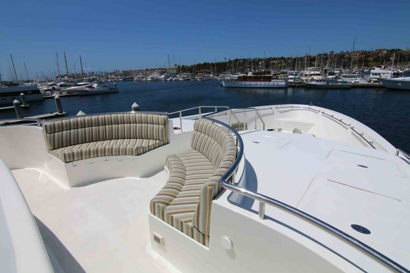luxury-liners-bow-upper-lounge-area