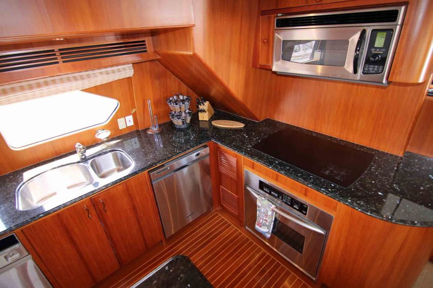 luxury-liners-galley-starboard-side