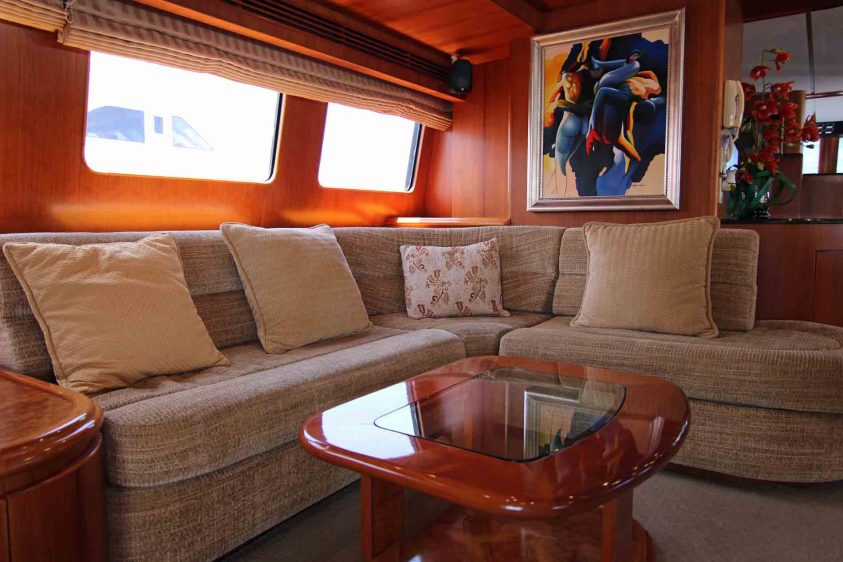 luxury-liners-sofa