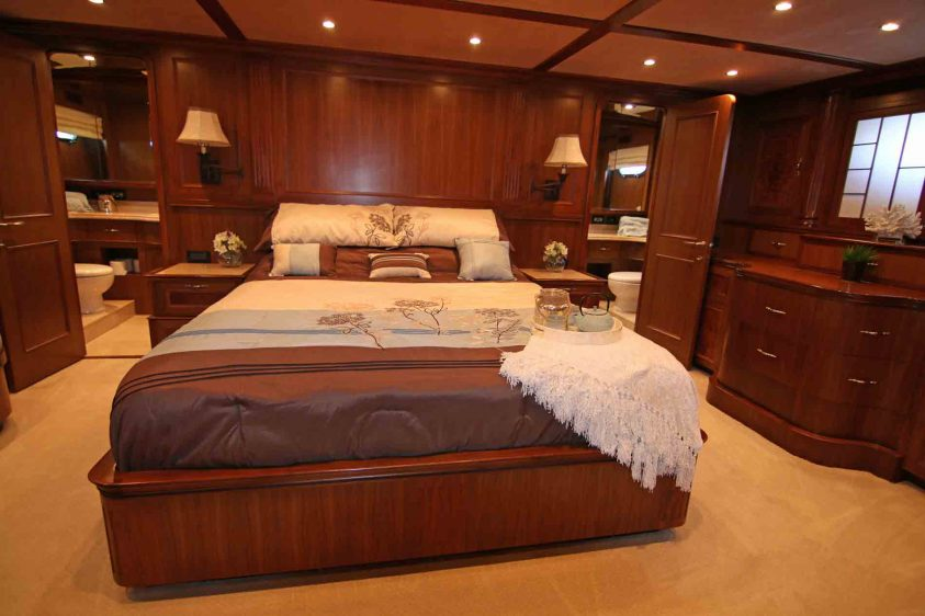 luxury-liners-stateroom