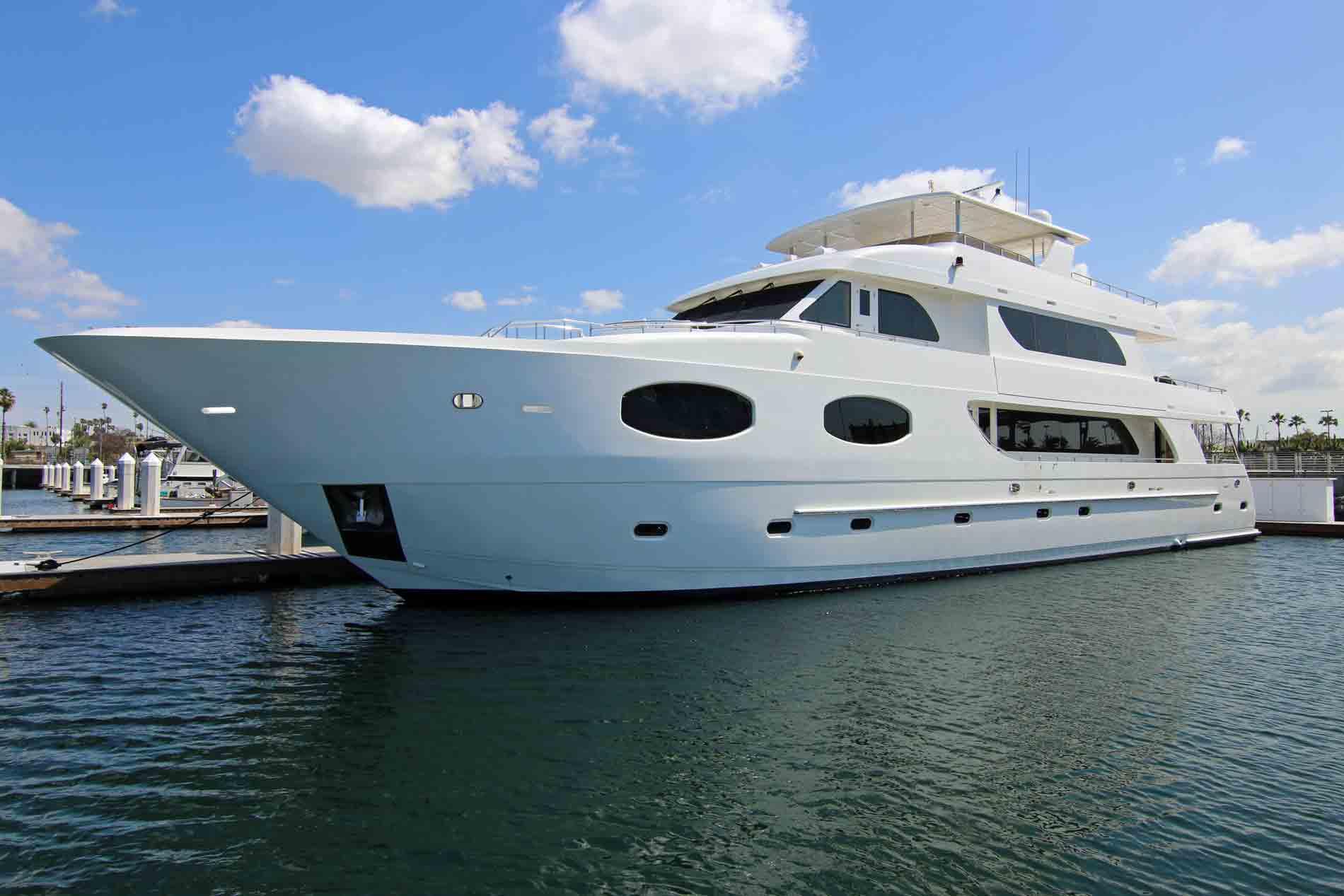 Luxury Yacht Charter 122 Luxury Liner Super Yacht Charter