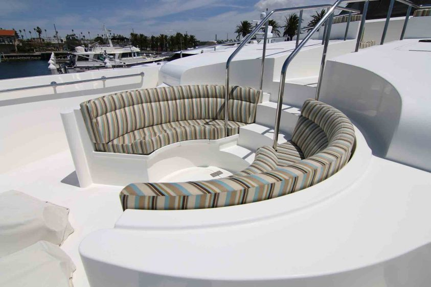 luxury-liners-super-yacht-lower-lounge-area-on-the-bow