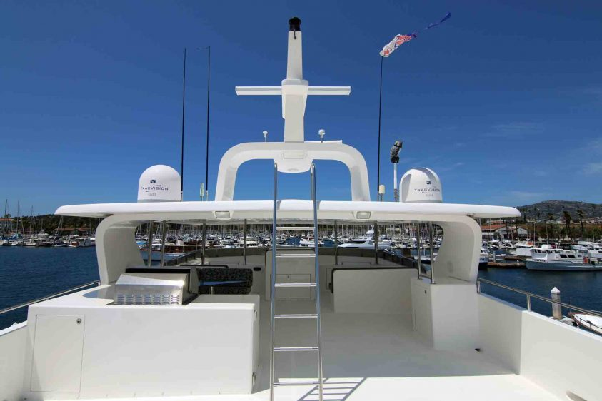 luxury-liners-super-yacht-upper-deck
