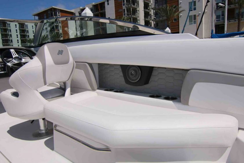 marina-del-rey-boat-rental-starboard-side-seating
