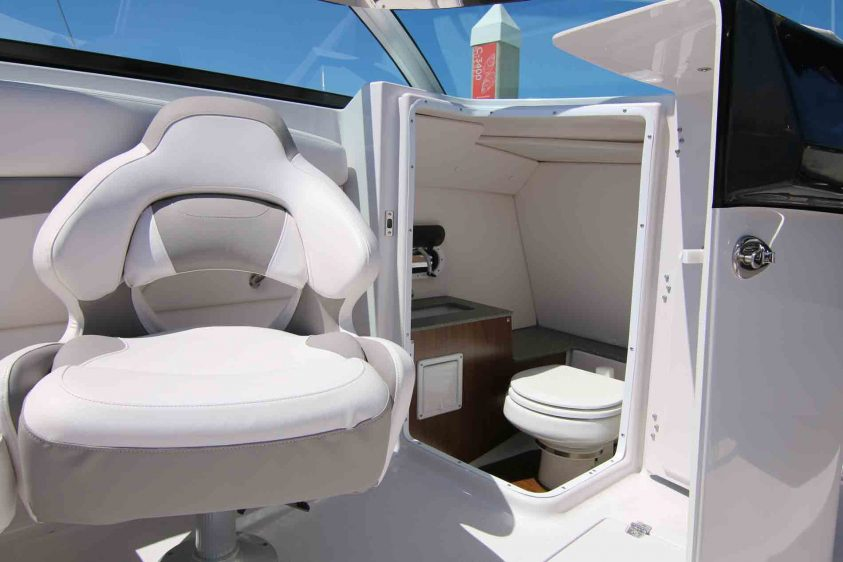 marina-del-rey-boat-rental-with-a-bathroom