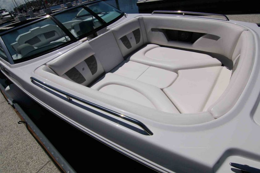 marina-del-rey-boat-rental-with-room-to-layout