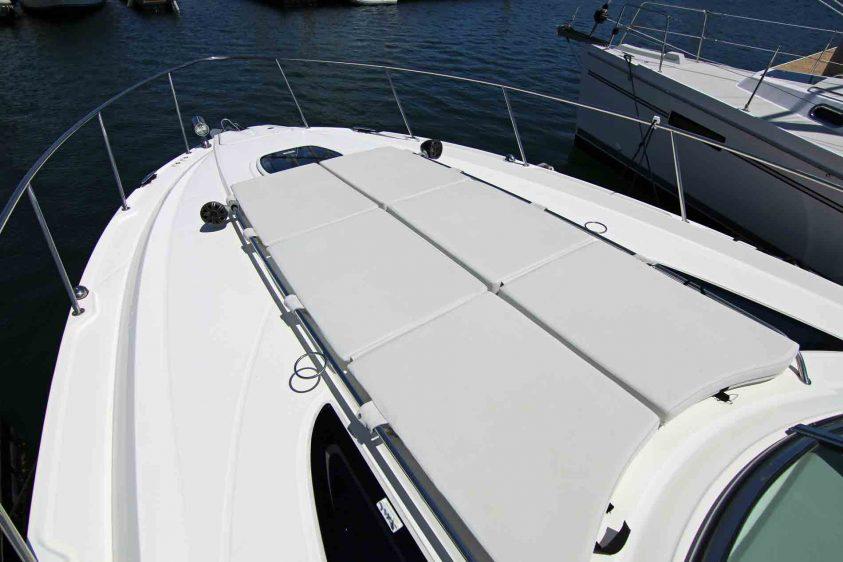 marina-del-rey-boat-rentals-bow-for-sunbathing