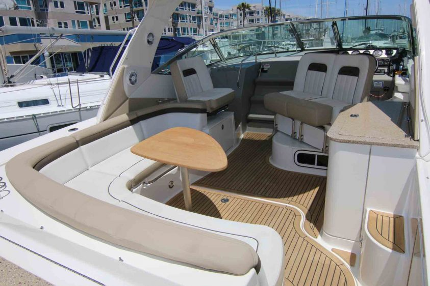sea-ray-marina-del-rey-boat-rental-lounge