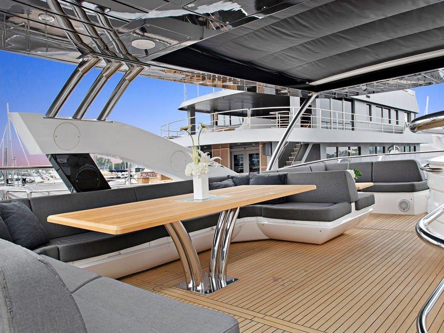 Luxury Yacht Rentals in Los Angeles
