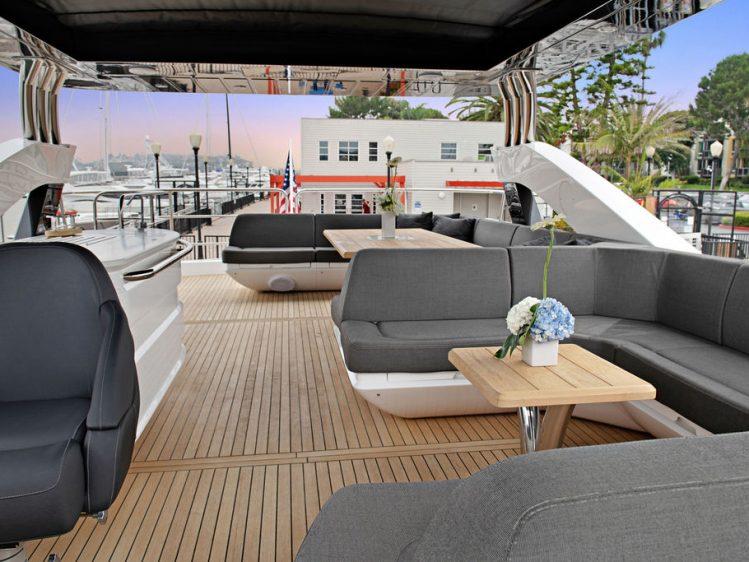 Luxury Boat Rental in Los Angeles